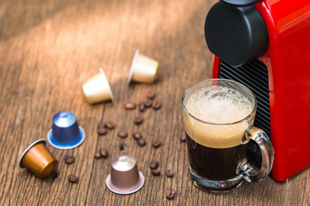 LAS 10 MEJORES CAFETERAS DE CÁPSULAS DEL 2020. Las cafeteras de cápsulas más económicas del mercado.